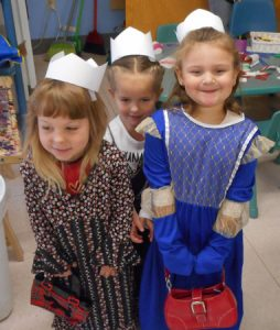 3 Girls in Crowns